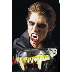 Gumowe zęby wampira